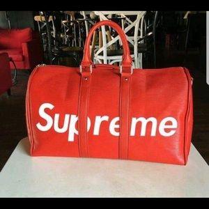 SUPREME  duffle bags